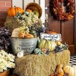 35 Beautiful DIY Fall Outdoor Decor Ideas You Will Like (27)