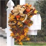 35 Beautiful DIY Fall Outdoor Decor Ideas You Will Like (33)