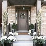 40 Fantastic DIY Fall Front Porch Decorating Ideas (17)