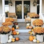 40 Fantastic DIY Fall Front Porch Decorating Ideas (24)