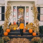 40 Fantastic DIY Fall Front Porch Decorating Ideas (26)