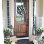 40 Fantastic DIY Fall Front Porch Decorating Ideas (31)