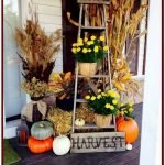 40 Fantastic DIY Fall Front Porch Decorating Ideas (38)