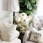 40 Gorgeous DIY Fall Decoration Ideas For Living Room (39)