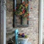 20 Fantastic DIY Planter Ideas For Your Front Porch (15)