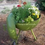 25 Creative DIY Garden Decoration Ideas Using Old Tires (3)
