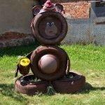25 Creative DIY Garden Decoration Ideas Using Old Tires (4)
