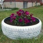 25 Creative DIY Garden Decoration Ideas Using Old Tires (7)