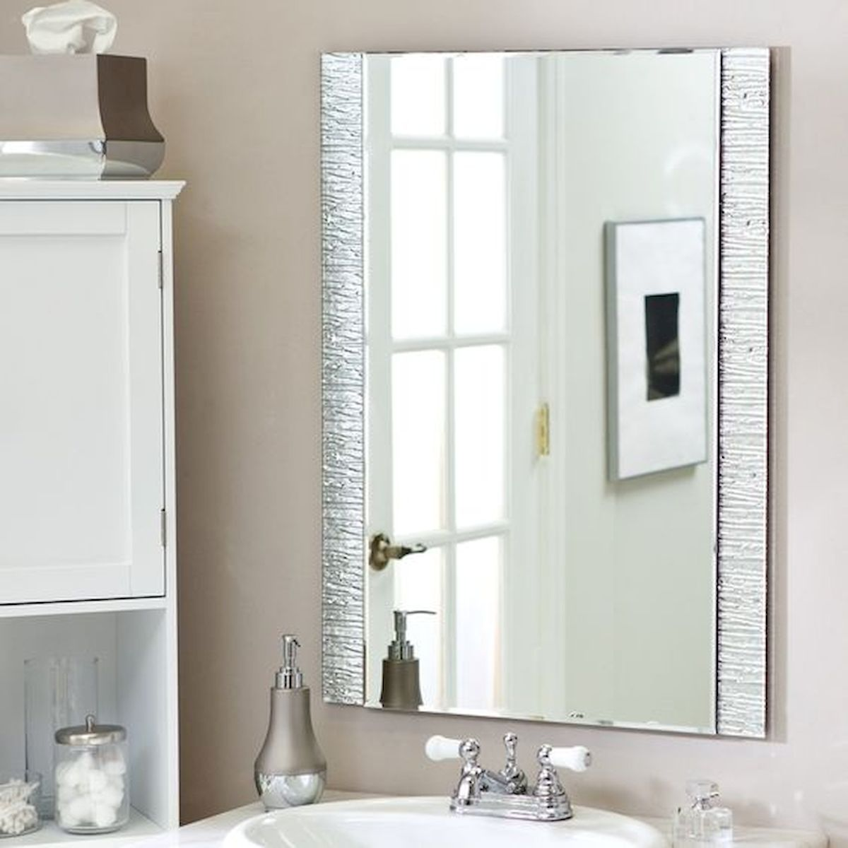 26 Easy and Creative DIY Mirror Ideas To Decorate Your Bathroom (25)