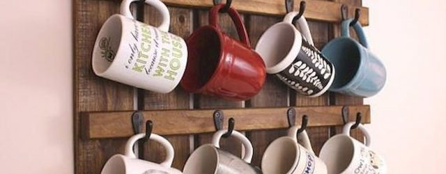 35 Easy DIY Wooden Pallet Mug Rack Ideas Everyone Can Do This (1)