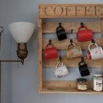 35 Easy DIY Wooden Pallet Mug Rack Ideas Everyone Can Do This (10)
