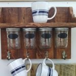 35 Easy DIY Wooden Pallet Mug Rack Ideas Everyone Can Do This (28)