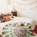 40 Fantastic DIY Decor Ideas For Farmhouse Boho Bedroom Design (16)