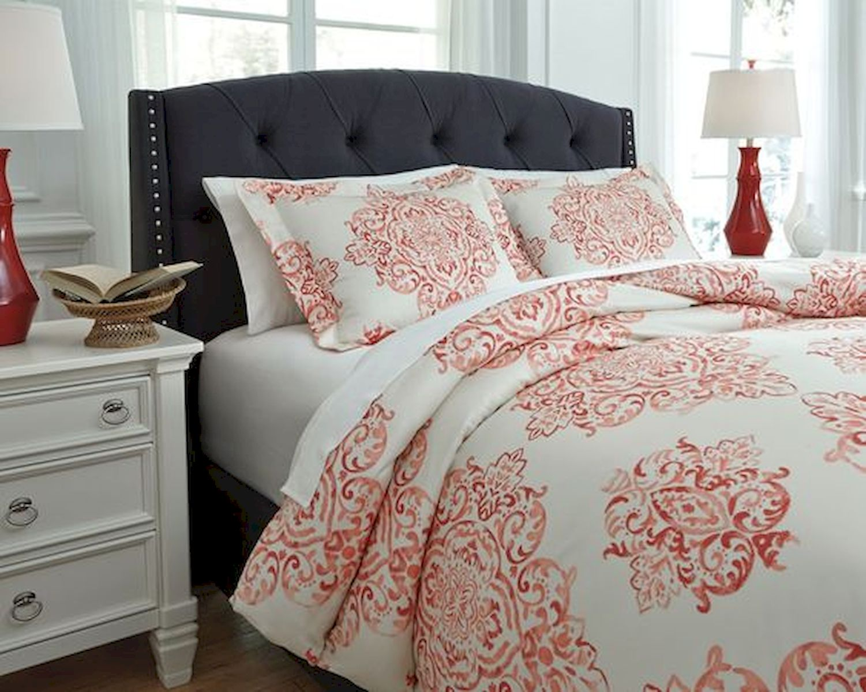 40 Fantastic DIY Decor Ideas For Farmhouse Boho Bedroom Design (20)