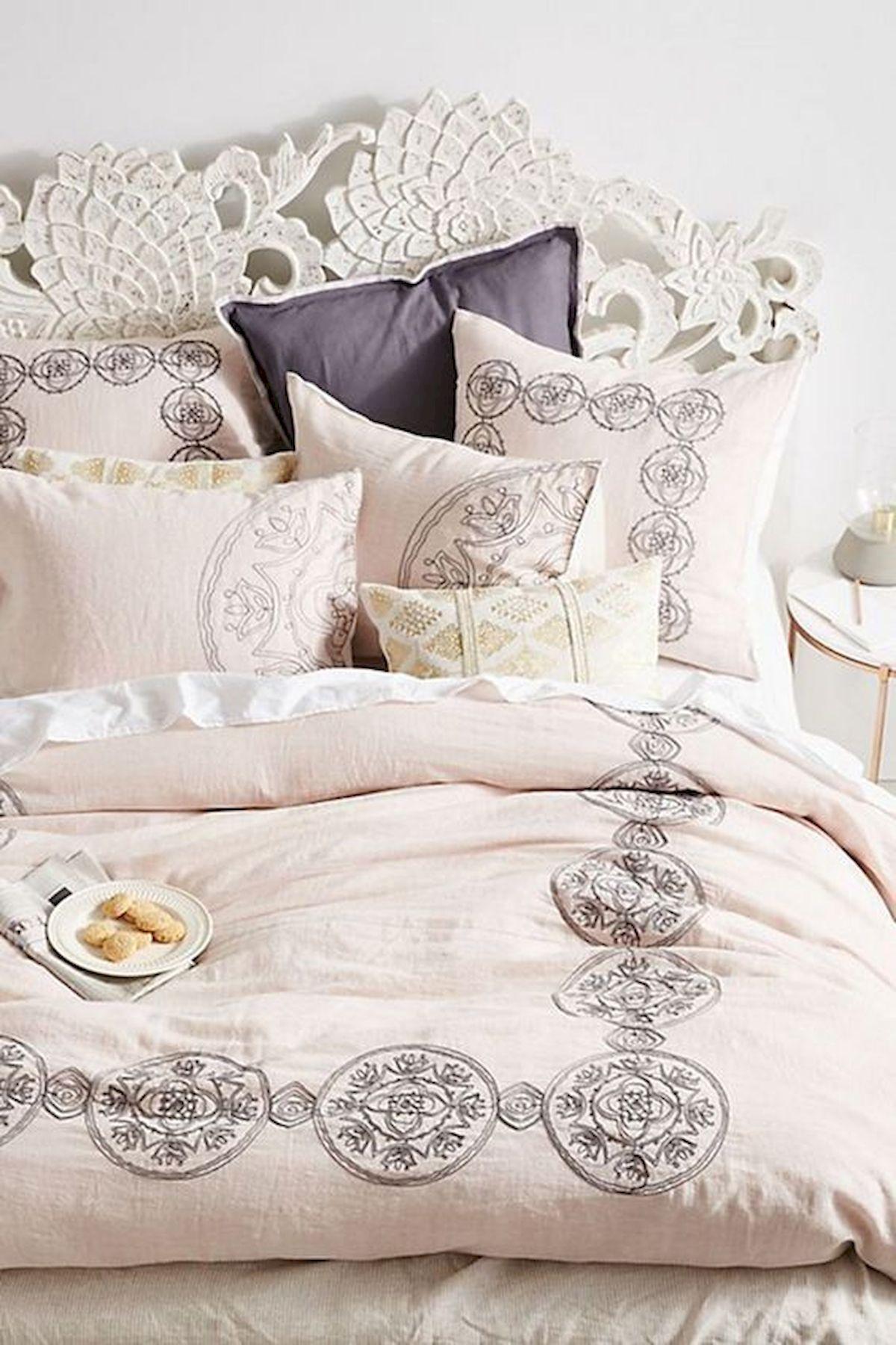 40 Fantastic DIY Decor Ideas For Farmhouse Boho Bedroom Design (29)