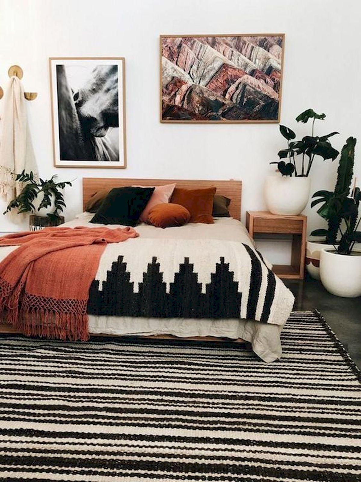 40 Fantastic DIY Decor Ideas For Farmhouse Boho Bedroom Design (31)