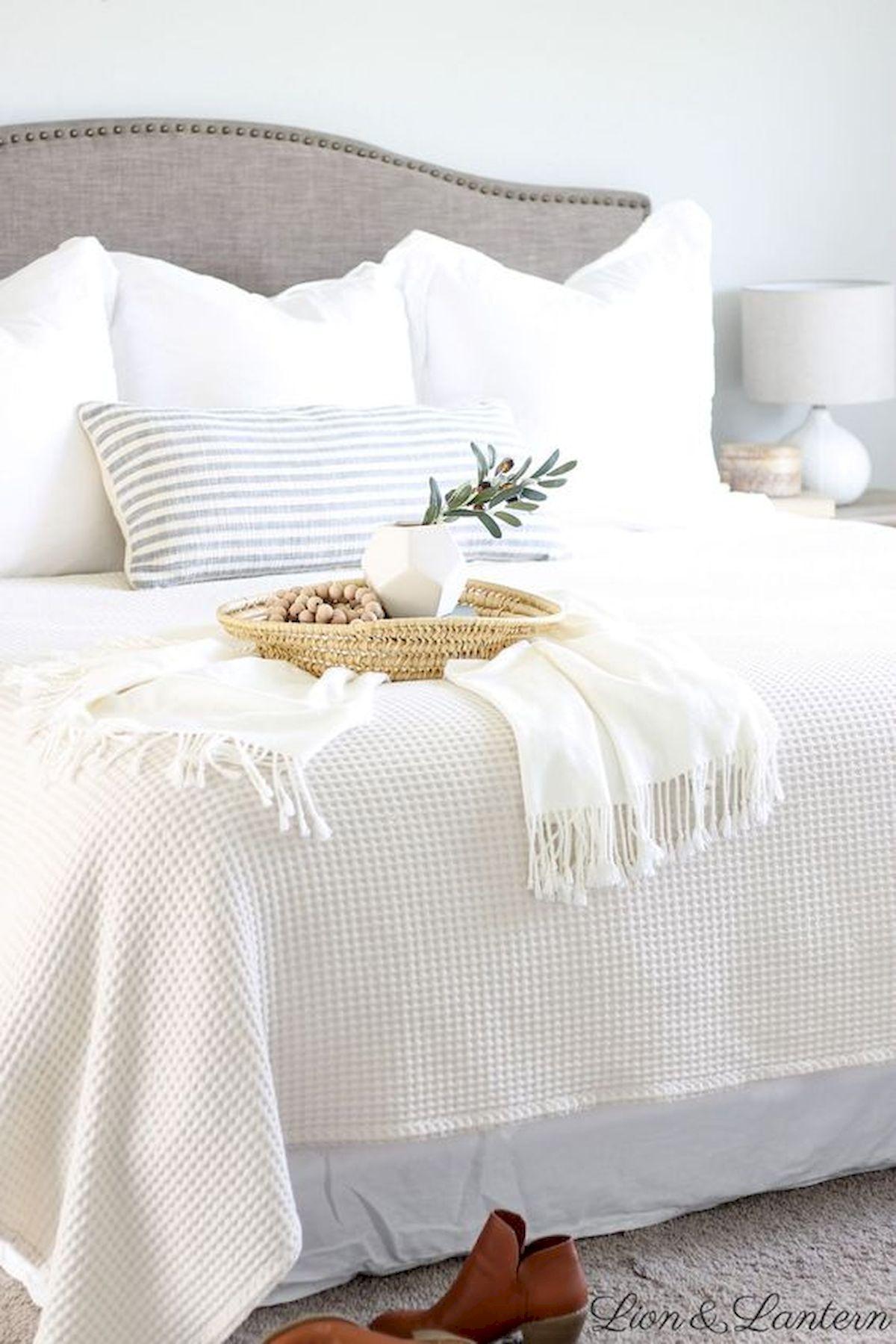 40 Fantastic DIY Decor Ideas For Farmhouse Boho Bedroom Design (32)