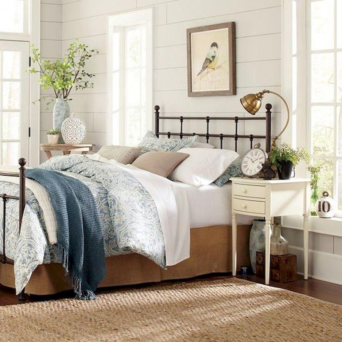 40 Fantastic DIY Decor Ideas For Farmhouse Boho Bedroom Design (33)