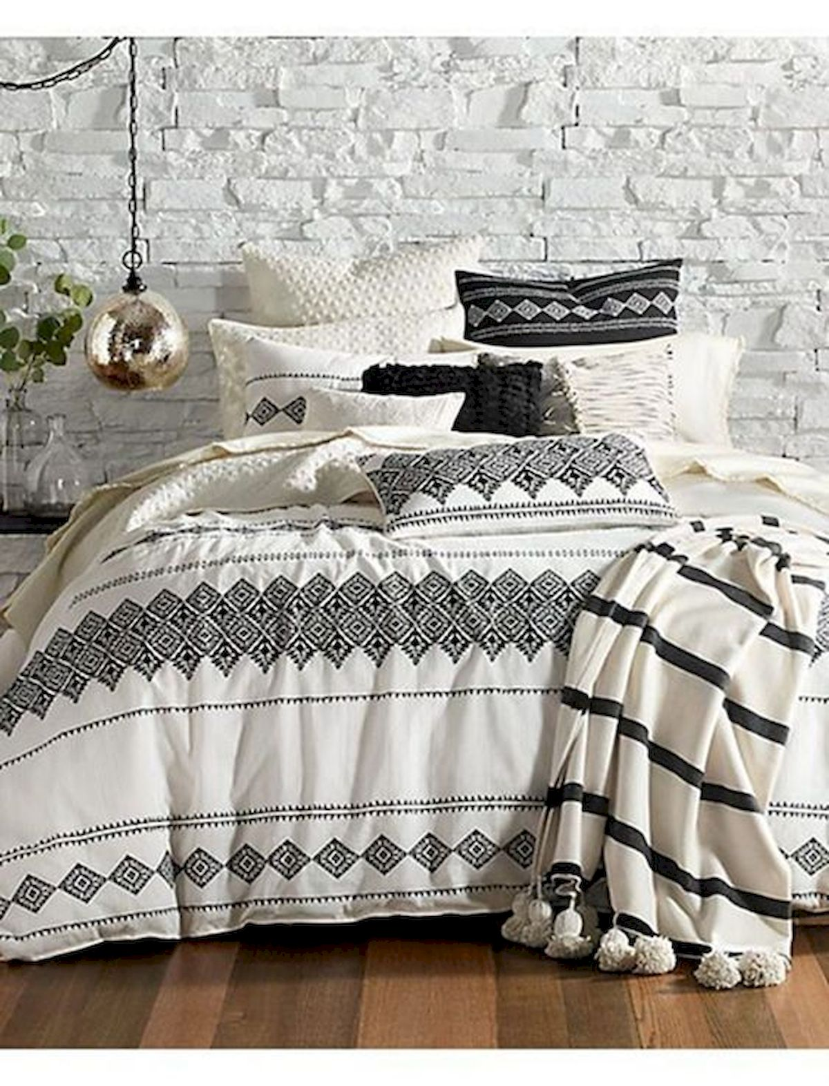 40 Fantastic DIY Decor Ideas For Farmhouse Boho Bedroom Design (38)