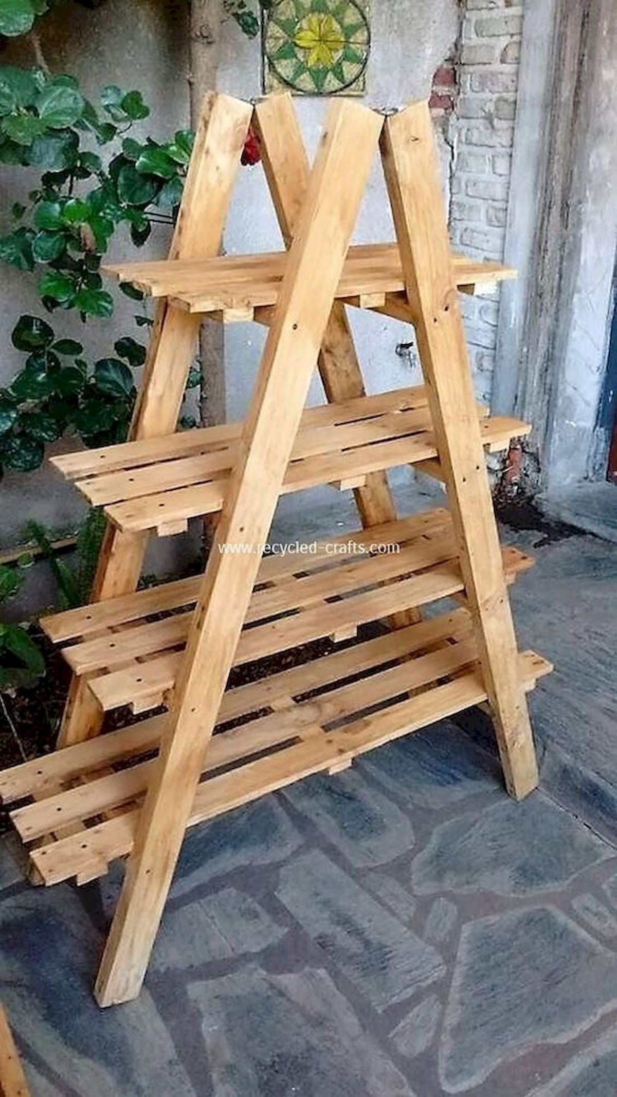 45 Easy And Cheap DIY Wood Furniture Ideas For Small House (2)