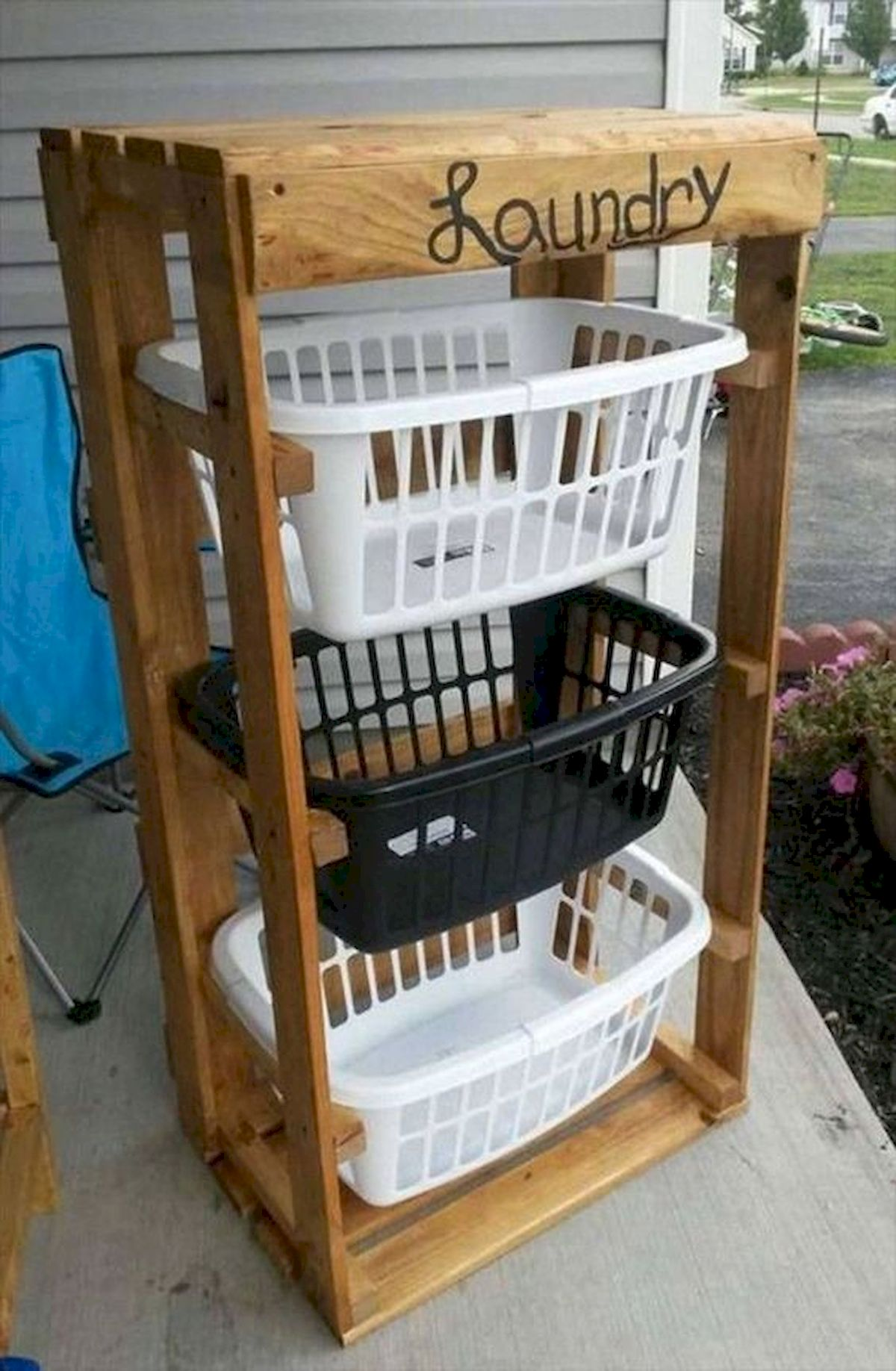 45 Easy and Cheap DIY Wood Furniture Ideas for Small House (23)