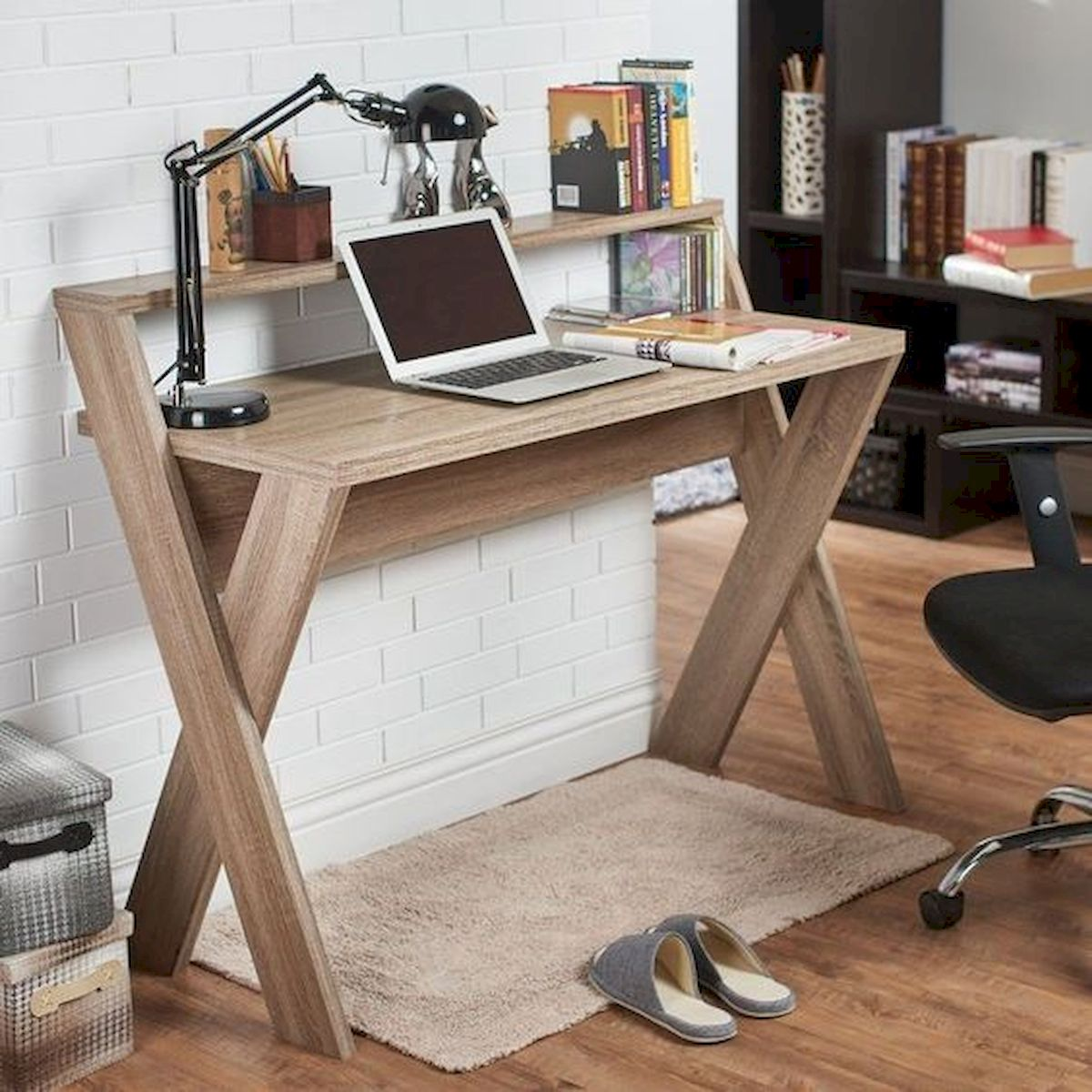 45 Easy and Cheap DIY Wood Furniture Ideas for Small House (26)