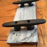 30 Fantastic DIY Hanger Ideas from Wooden Pallets (10)