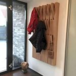 30 Fantastic DIY Hanger Ideas from Wooden Pallets (14)