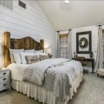 20 Awesome Farmhouse Bedroom Decor Ideas and Remodel (18)