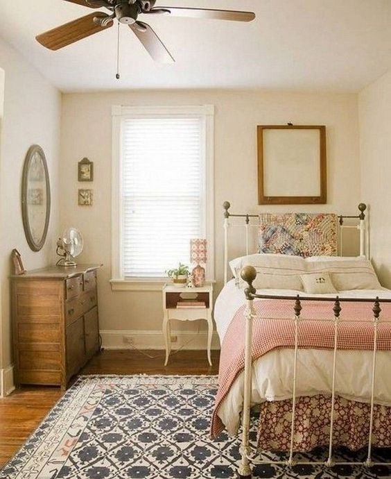 20 Awesome Small Farmhouse Bedroom Decor Ideas and Remodel (16)