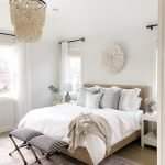 20 Awesome Small Farmhouse Bedroom Decor Ideas and Remodel (17)