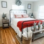 20 Awesome Small Farmhouse Bedroom Decor Ideas and Remodel (18)
