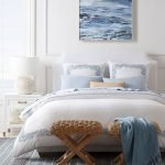 20 Beautiful Coastal Farmhouse Bedroom Decor Ideas and Remodel (14)