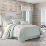 20 Beautiful Coastal Farmhouse Bedroom Decor Ideas and Remodel (17)