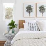 20 Beautiful Coastal Farmhouse Bedroom Decor Ideas and Remodel (20)