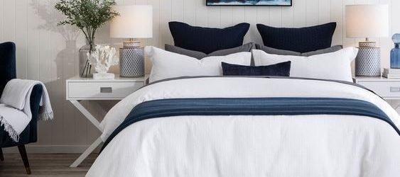 20 Beautiful Coastal Farmhouse Bedroom Decor Ideas and Remodel (7)