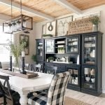 20 Beautiful Farmhouse Dining Room Table Decor Ideas and Remodel (8)