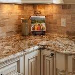 20 Beautiful Farmhouse Kitchen Backsplash Decor Ideas and Remodel (10)