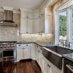 20 Beautiful Farmhouse Kitchen Backsplash Decor Ideas and Remodel (11)