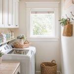 20 Beautiful Farmhouse Laundry Room Decor Ideas and Remodel (12)