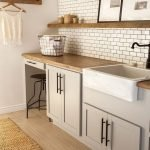 20 Beautiful Farmhouse Laundry Room Decor Ideas and Remodel (9)