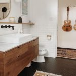 20 Best Farmhouse Bathroom Lighting Decor Ideas And Remodel (12)