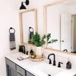 20 Best Farmhouse Bathroom Lighting Decor Ideas And Remodel (16)