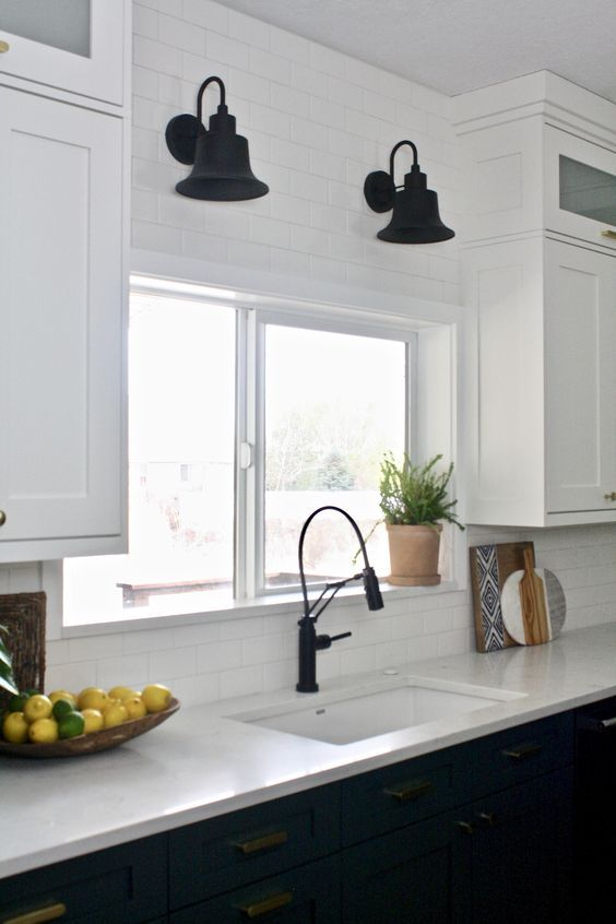 20 Best Farmhouse Kitchen Lighting Decor Ideas and Remodel (2)