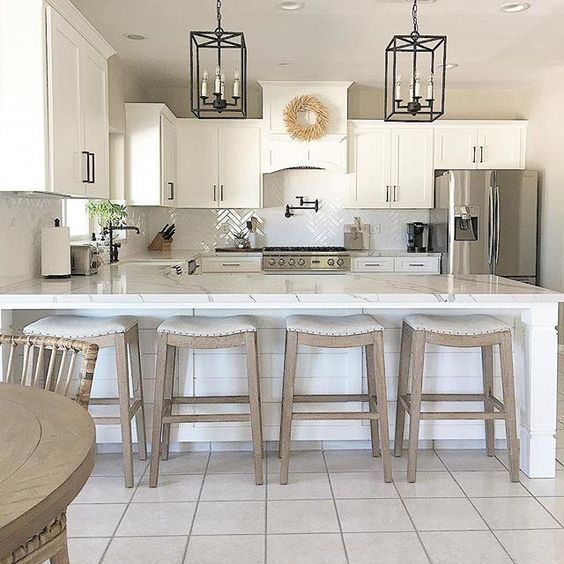 20 Best Farmhouse Kitchen Lighting Decor Ideas and Remodel (8)