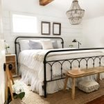 20 Best Industrial Farmhouse Bedroom Decor Ideas And Remodel (18)