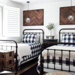 20 Best Industrial Farmhouse Bedroom Decor Ideas And Remodel (4)