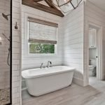 20 Stunning Farmhouse Bathroom Tile Decor Ideas And Remodel (14)