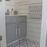 20 Stunning Farmhouse Bathroom Tile Decor Ideas and Remodel (4)