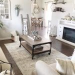 20 Stunning Farmhouse Coffee Table Decor Ideas and Remodel (19)
